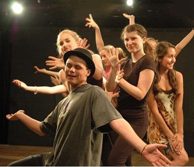Curtain Call's Summerstock Musical Theatre (ages 11 to 16) | Kids
